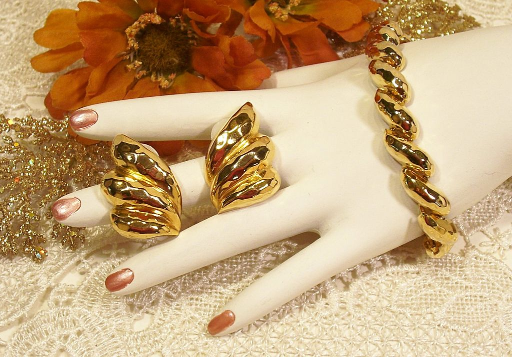 Park Lane Gold-tone Hammered Bracelet Earring Set!