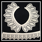 Vintage Eyelet Collar and Cuff set - Ivory White