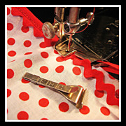 Singer Bias Tape scissors Gauge replaces bulky rotary cutter & mat