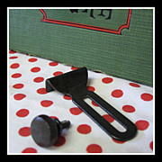 Vintage Singer Sewing Machine blackside SEAM GUIDE fits 301, 221, 99