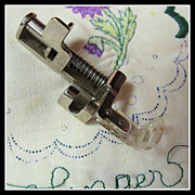 Singer 301, 401A sewing machine Darning & Embroidery attachment for Free Motion work