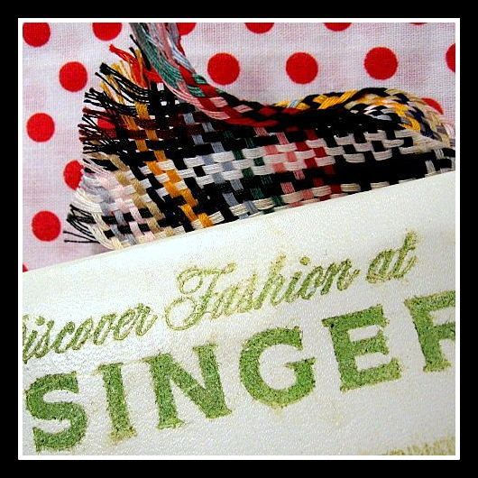 Vintage Singer Sewing Machines Co. advertisement Needle Book & thread