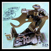 Vintage Singer sewing machine Ruffler attachment fits Featherweight 221 & more