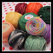 SALE LOT of 10 vintage 1-inch mini Tatting Thread Spools - solids & variegated