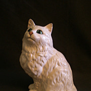Royal Doulton DA126 White Persian Cat, Seated Figurine