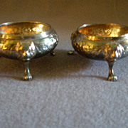 Wilson & Davis - Sheffield - Pair of Footed Master Salt Dishes w/Lion Heads & Floral Motif