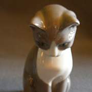Bing & Grondahl Porcelain &quot;Cat&quot; Figurine #1876