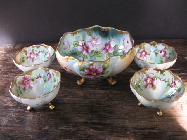 Beautiful Nippon Berry Bowl Set