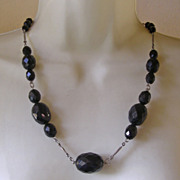 Victorian Graduated Faceted Dark Garnet French Jet Glass Bead Necklace