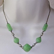 Beautiful Art Deco Molded Jade Glass and Pearl Bead Necklace
