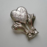 Vintage Hands Holding Heart Locket Fur Clip