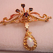 Fine Estate Vintage 10k Gold Opal Garnet Brooch