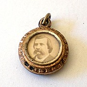 Round 2 Sided Victorian Open Face Locket