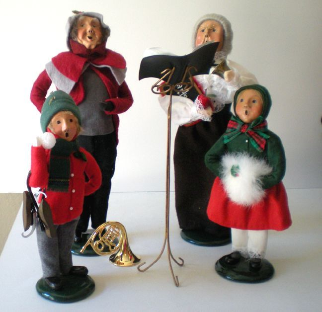 (4) Byers Choice Christmas Figurines &quot;The Carolers&quot;