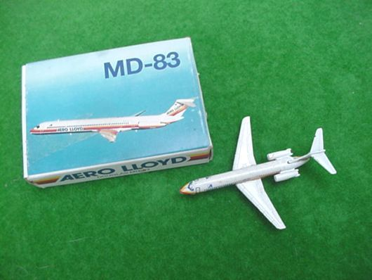 Areo Lloyd Scale Model Plane - Douglas MD-83