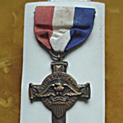 Dunmore, Pa St. Anthony's Church WW11 Service Medal