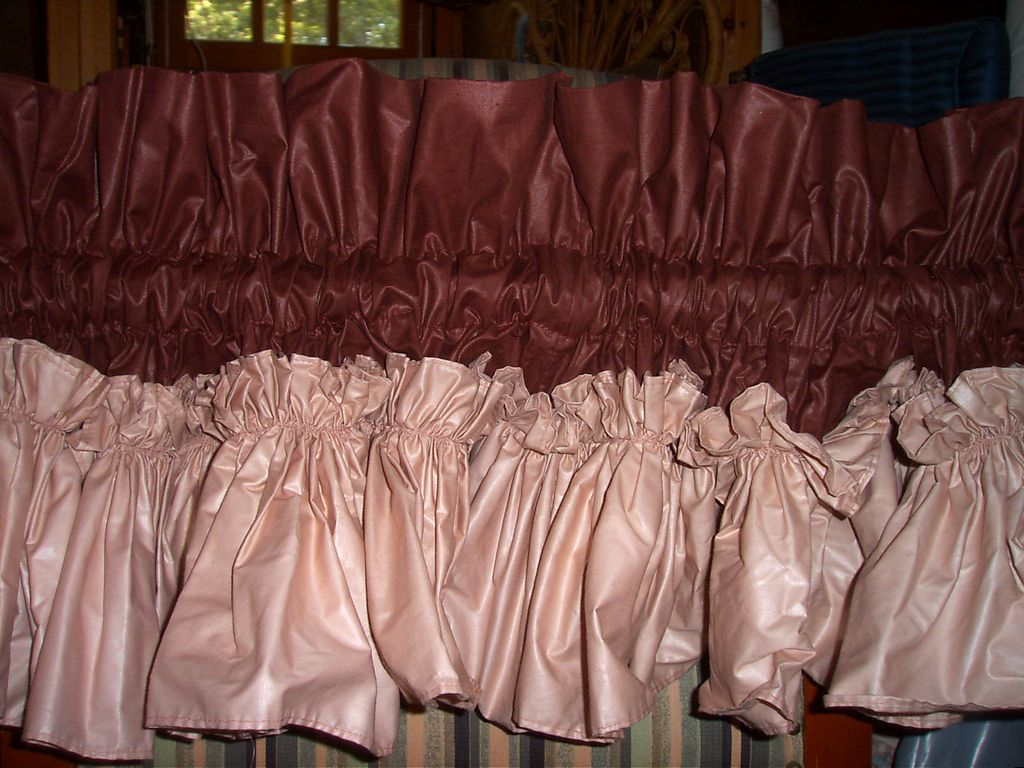 Curtain Valance In Polished Cotton Fabrics With Ruffles