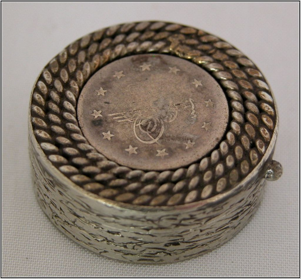 800 Silver Pill Box or Snuff Box
