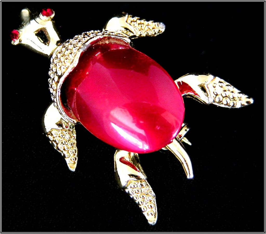 Gerry's Burgundy Moon Glow Gold-Tone Turtle Pin, Jelly Belly Style