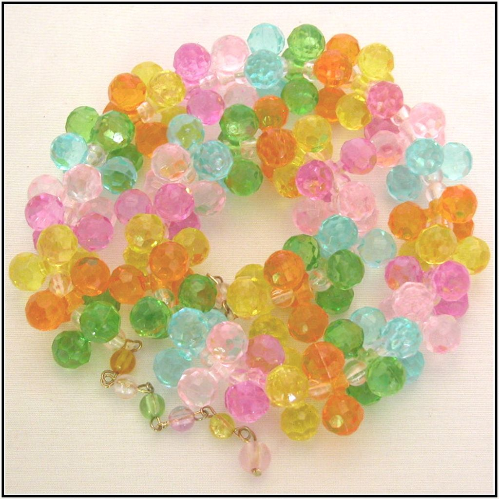 Pastel Dimensional Plastic Trio Bead Necklace
