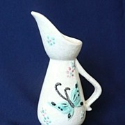Unusual Vintage Hull Butterfly Footed Ewer