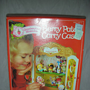 SALE Vintage Kenner Strawberry Shortcake Doll Berry Patch Case NRFB