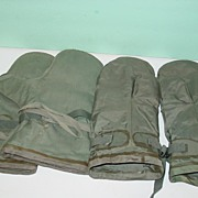 REDUCED Pilots Anti Exposure Suit Pair MK3 MK4 Insulated Gloves Korean War Mittens 1952