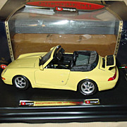 Porsche 911 Carrera Cabriolet Convertible Bburago 1/24 cod.0590 Yellow VIP Italy