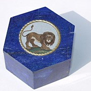 Lapis Lazuli micromosaic box depicting a lion