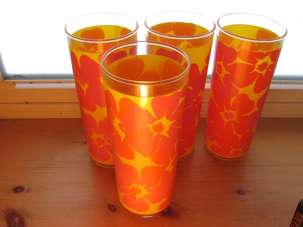 Retro Flower Power Kitchen Glass Orange Pink Set