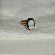 Cameo Ring 14 kt. gold Filigree Black White