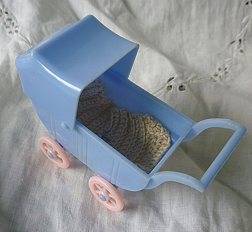 Renwal Doll House #114 Baby Carriage with Spread  Blue with Pink Wheels