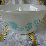Federal Glass Fruit Fare Turquoise on White 9� Mixing Bowl