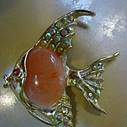 SALE Goldtone Angel Fish Brooch Rhinestones and Coral Pink Jelly Belly