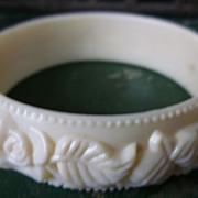 Roses and Leaves White Hard Plastic Molded Bangle