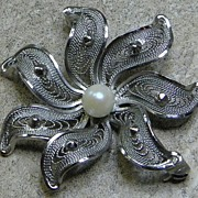 Vintage Sterling & Cultured Pearl Flower Brooch Pin