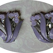 Vintage LISNER Pale Purple Iris Orchid Flower Earrings