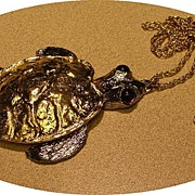 Vintage 1970s Big Articulated Turtle Necklace