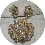 Vintage Juliana Jewelry D & E Dangling  Crystals Rhinestone Brooch & Earrings Set