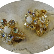 Vintage Juliana D&E Clear Rhinestone Flower Earrings