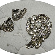 SALE Vintage WEISS Clear Rhinestone Brooch & Earrings Set with Pave Set Ribbons