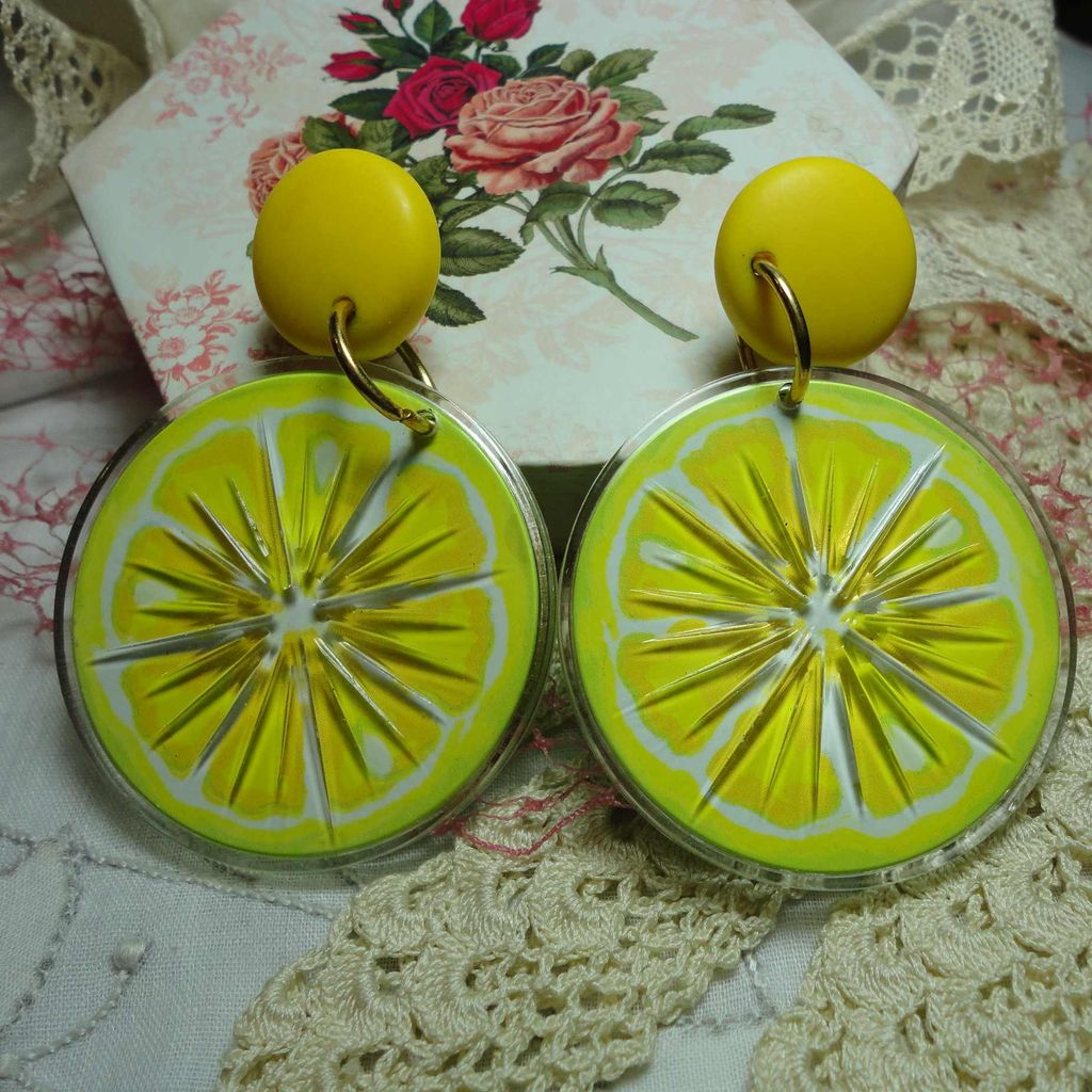 Vintage Avon Lemon Slices Huge Tooty Fruity Pierced Earrings in Original Box