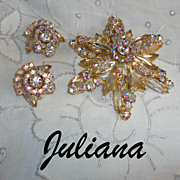 Vintage Juliana D & E Dazzling Star Flower Rhinestone Brooch & Earrings Set