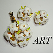 Vintage ART White Flower Bouquet Brooch & Earrings Set