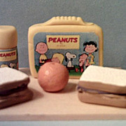 Vintage Miniature PEANUTS & Friends Lunch Box Set *1970's