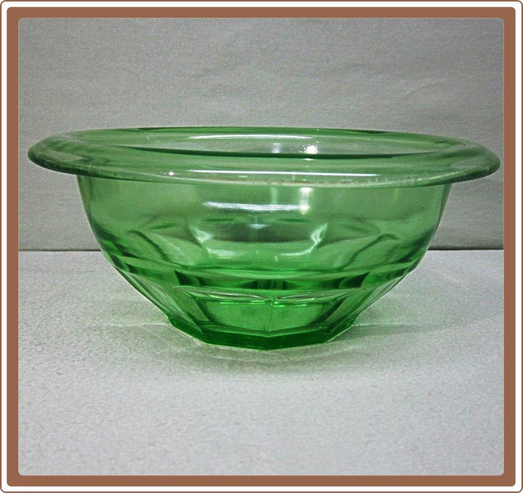 Hazel Atlas Green Rolled Edge Small Mixing Bowl