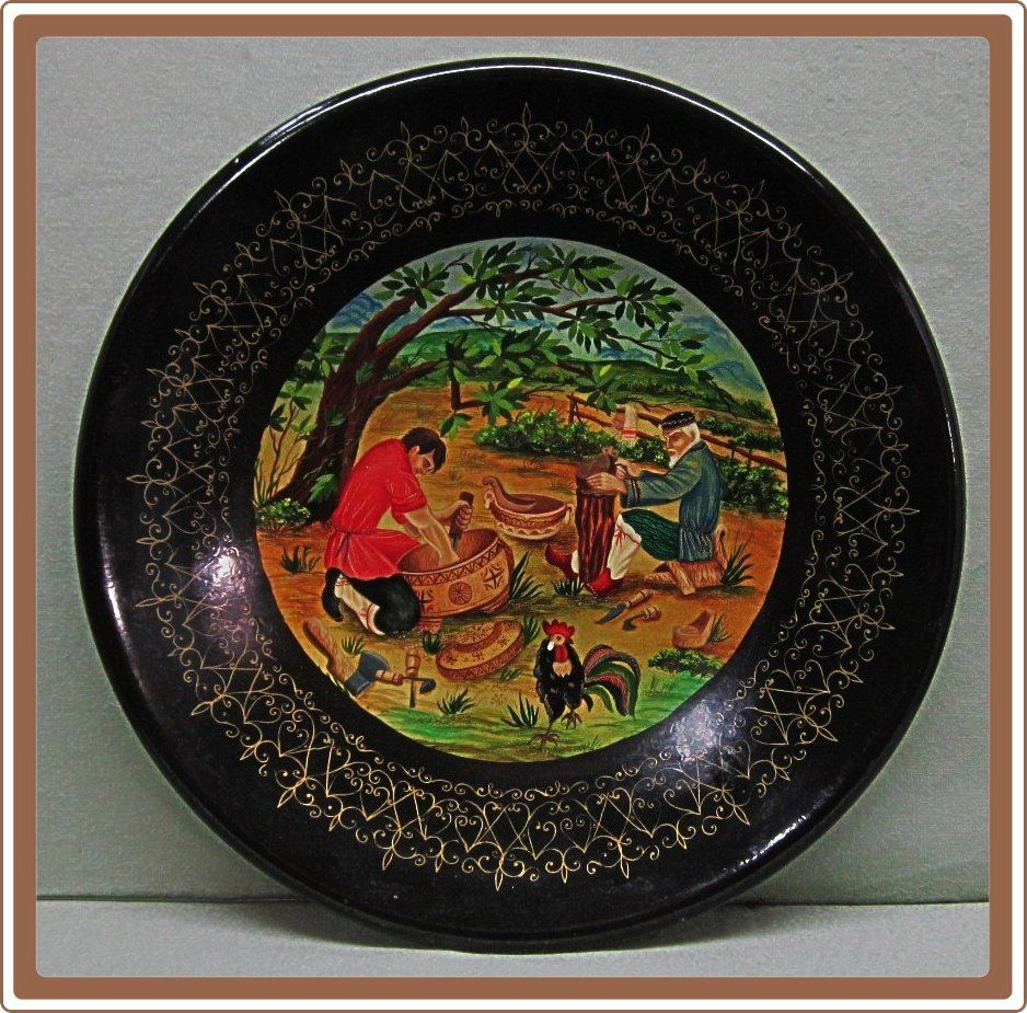 Russian Handpainted Lacquer Paper Mache Plate Wood Carvers
