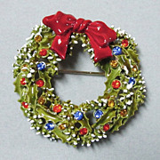 Vintage ART Christmas Wreath Rhinestone Pin
