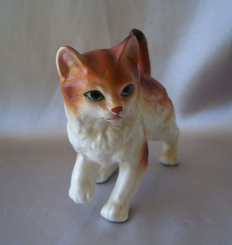 Ceramic Yellow And White Kitty Cat Figurine