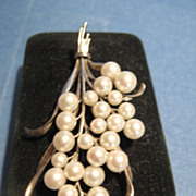 Vintage Mikimoto Pearls Pin, CA.1950's